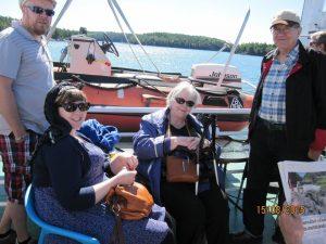 Östern-laivan matkustajakannella: Jani Mannonen, Iiris Hörkkö, Leena Hörkkö, Pekka Hörkkö