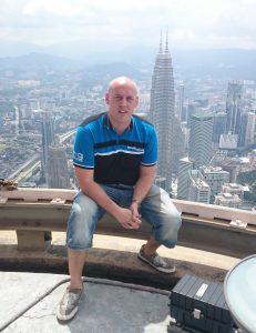 Simo Hörkön sukuyhdistyksen nettisivut päivittyvät sujuvasti myös Malesiasta käsin