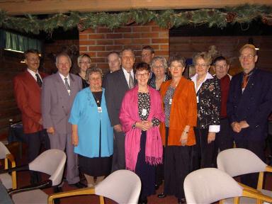 Juhlavuosikokouksessa oli mukana näin monta suvun jäsentä, jotka olivat myös perustavassa kokouksessa Paimiossa 1968